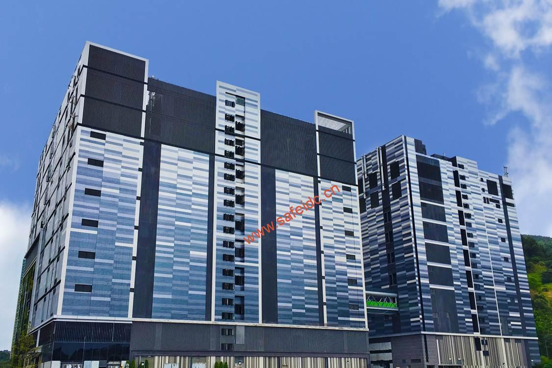 MEGA Plus - 云时代的大型数据中心